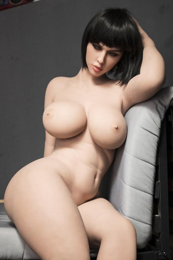 Shenale Sexpuppe