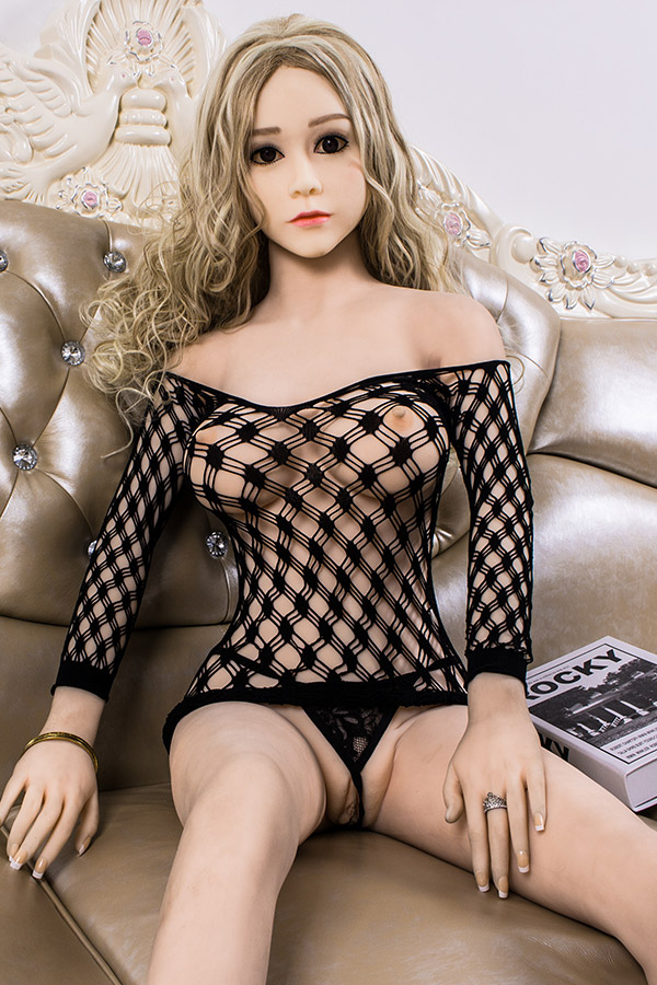 Sex with Silicone Sex Doll
