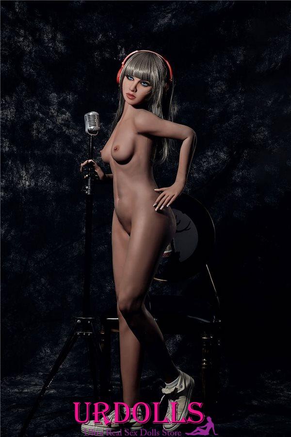 レズビアンはIrontech人形を使用します